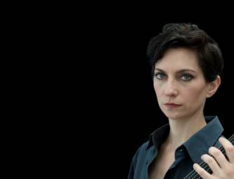 Simone Vittuci gray shirt